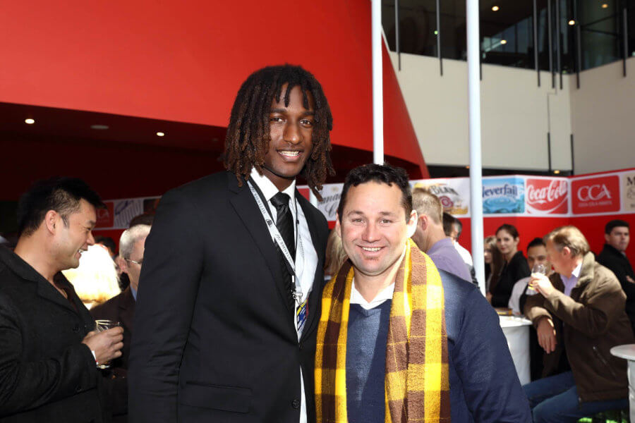 Don Elgin with Nic Naitanui 900x600