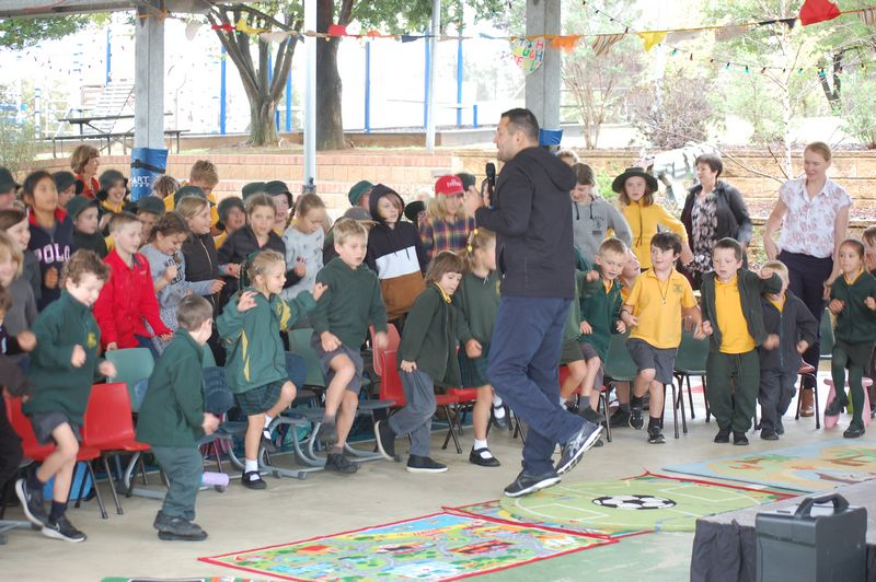 Don Elgin speaking at a school assembly